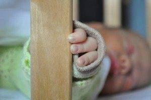 ¿Un bebé acaba aprendiendo a dormir solo?